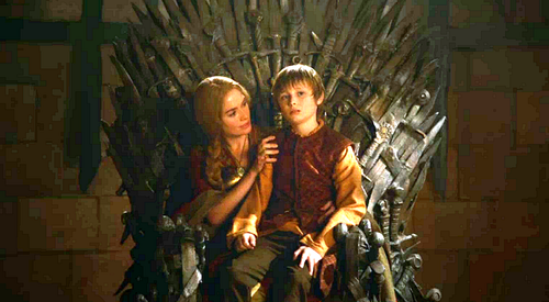Cersei-and-Tommen-cersei-lannister-31097766-500-275.png